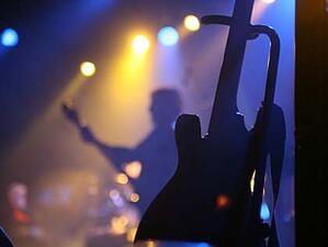 nightlife-music-live-band-karaoke