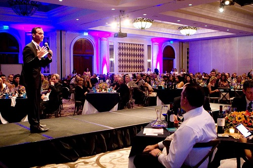 Auctioneer_at_gala