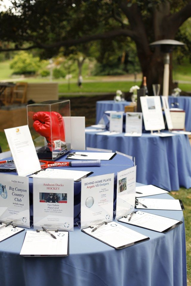 Silent auction displays - how to write better item descriptions